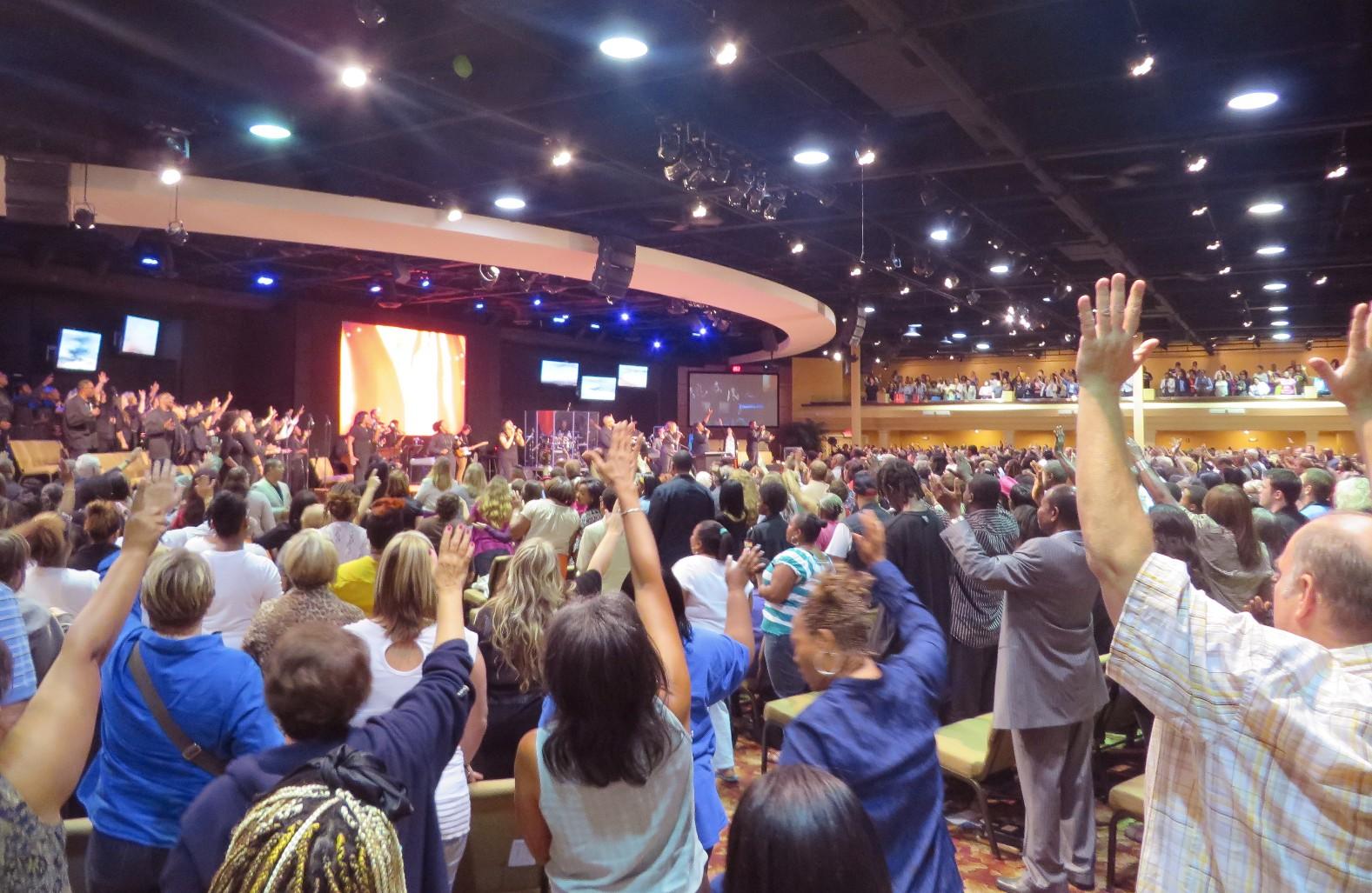 Cornerstone_Church_Toledo_worship
